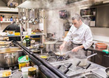 Чисте повітря на кухнях ресторанів і барів. Міф чи реальність